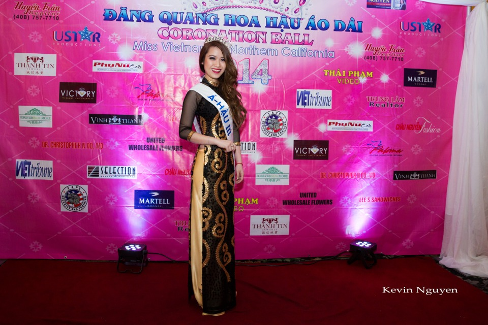 The Guests at the Coronation of Hoa Hau Ao Dai Bac Cali 2014 and Court - Image 008