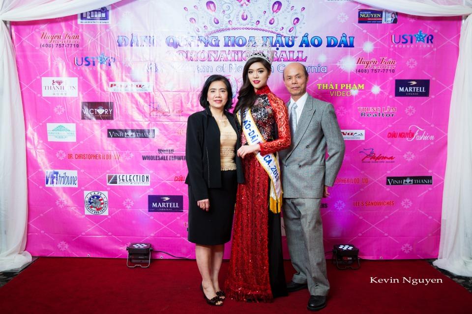 The Guests at the Coronation of Hoa Hau Ao Dai Bac Cali 2014 and Court - Image 013