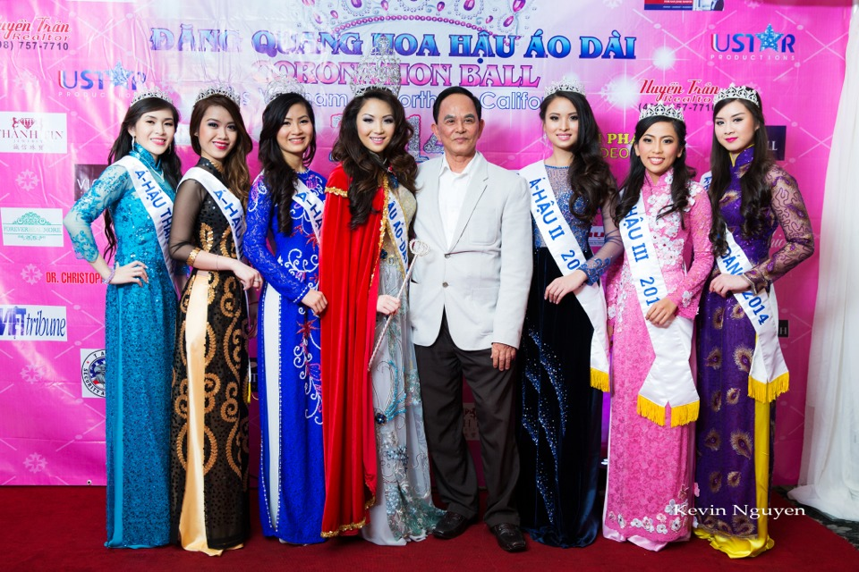 The Guests at the Coronation of Hoa Hau Ao Dai Bac Cali 2014 and Court - Image 017