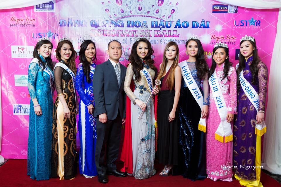 The Guests at the Coronation of Hoa Hau Ao Dai Bac Cali 2014 and Court - Image 022