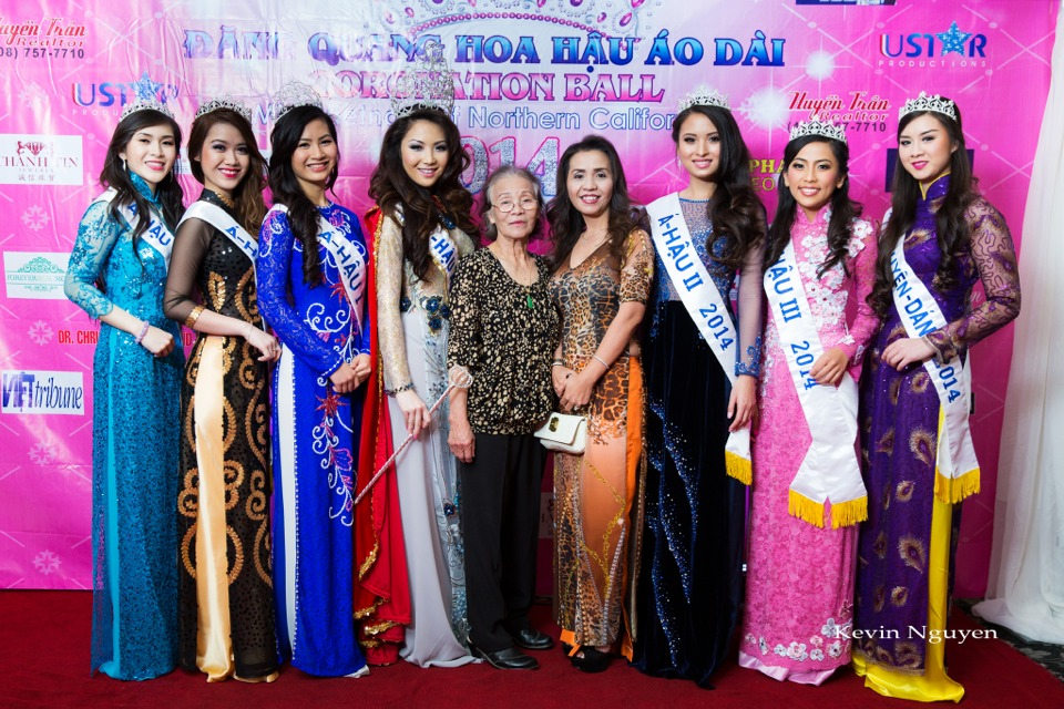The Guests at the Coronation of Hoa Hau Ao Dai Bac Cali 2014 and Court - Image 026