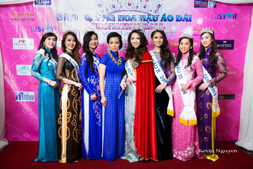 The Guests at the Coronation of Hoa Hau Ao Dai Bac Cali 2014 and Court - Image 036