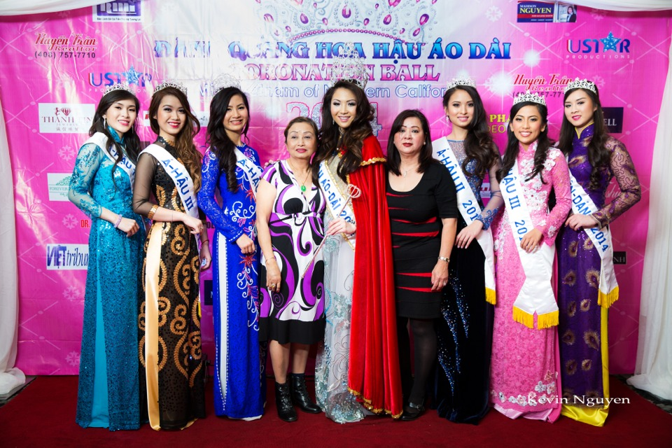The Guests at the Coronation of Hoa Hau Ao Dai Bac Cali 2014 and Court - Image 037