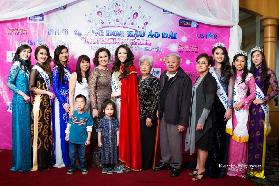 The Guests at the Coronation of Hoa Hau Ao Dai Bac Cali 2014 and Court - Image 046