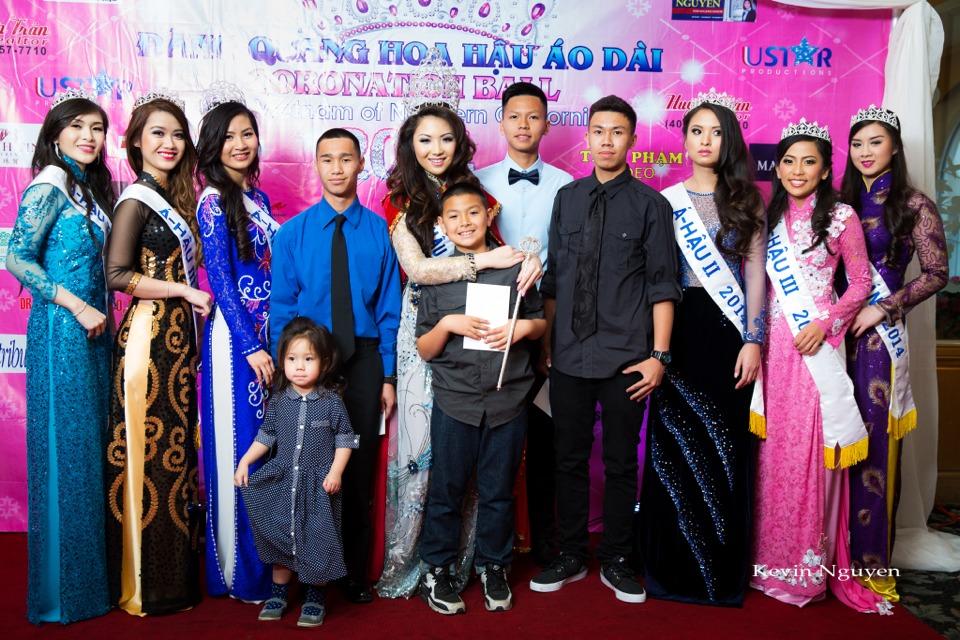 The Guests at the Coronation of Hoa Hau Ao Dai Bac Cali 2014 and Court - Image 048