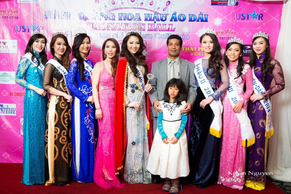The Guests at the Coronation of Hoa Hau Ao Dai Bac Cali 2014 and Court - Image 053