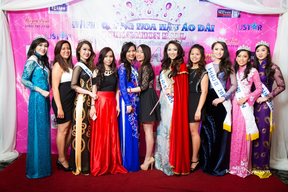 The Guests at the Coronation of Hoa Hau Ao Dai Bac Cali 2014 and Court - Image 054