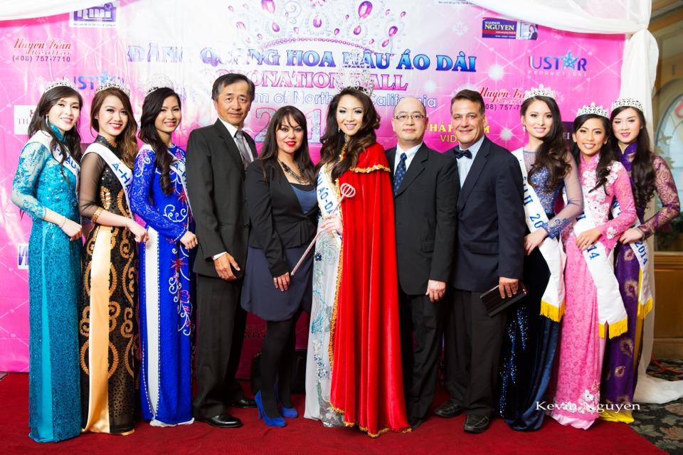 The Guests at the Coronation of Hoa Hau Ao Dai Bac Cali 2014 and Court - Image 055