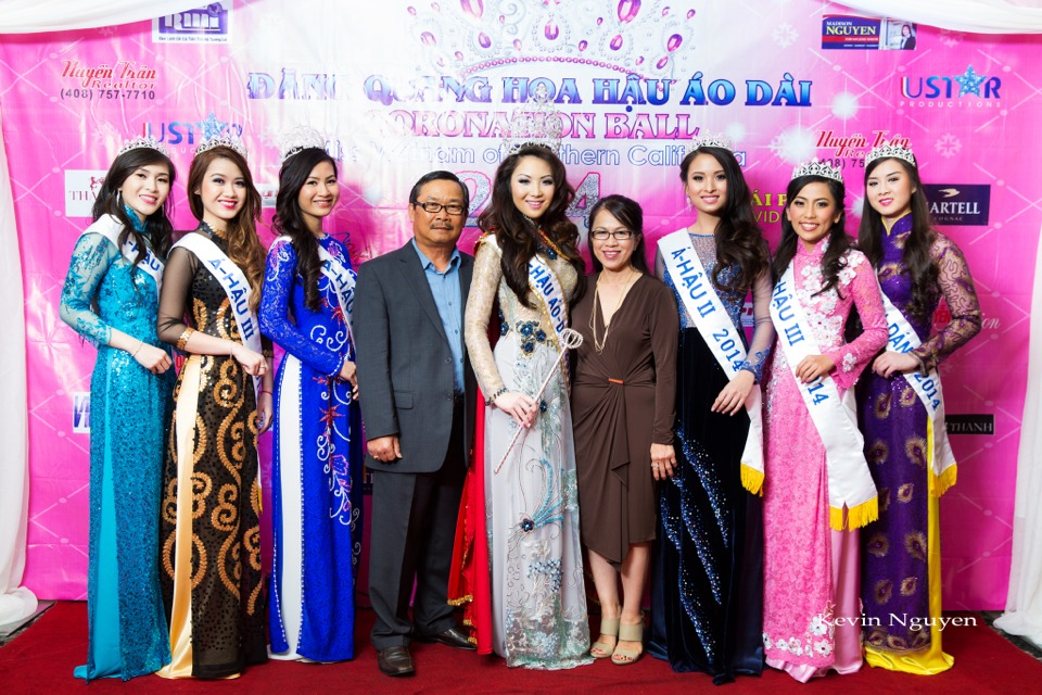 The Guests at the Coronation of Hoa Hau Ao Dai Bac Cali 2014 and Court - Image 062