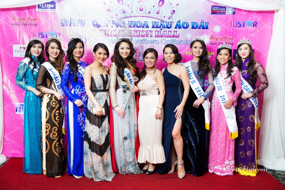 The Guests at the Coronation of Hoa Hau Ao Dai Bac Cali 2014 and Court - Image 064