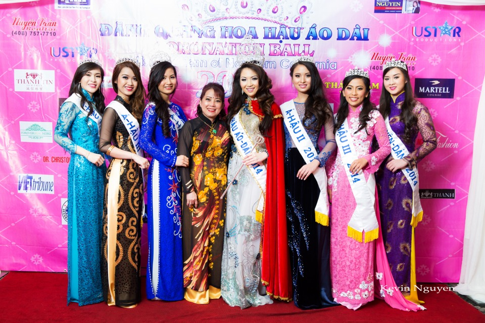 The Guests at the Coronation of Hoa Hau Ao Dai Bac Cali 2014 and Court - Image 073