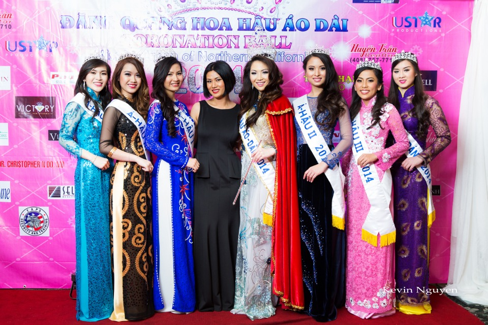 The Guests at the Coronation of Hoa Hau Ao Dai Bac Cali 2014 and Court - Image 077