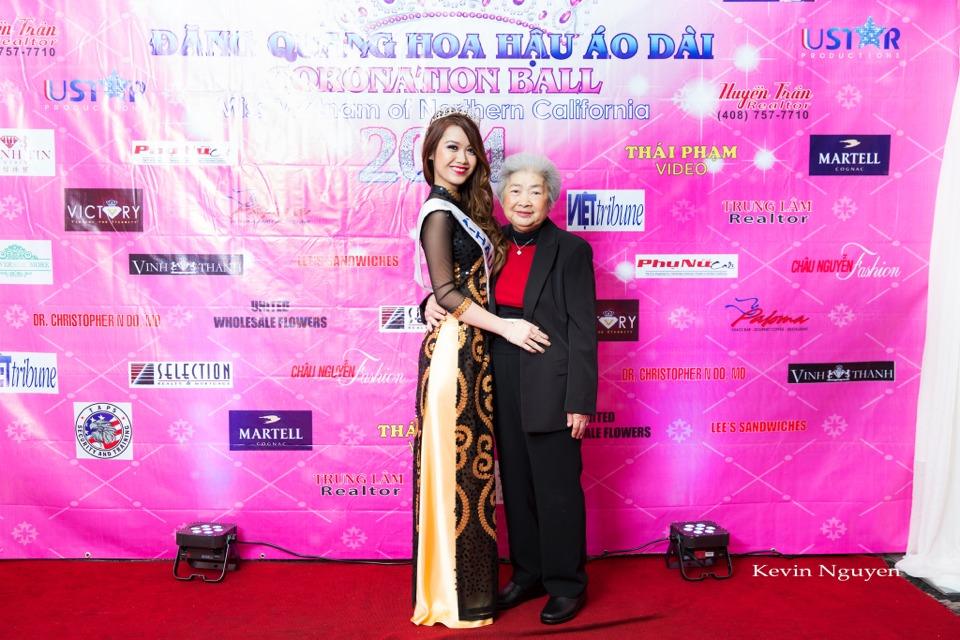 The Guests at the Coronation of Hoa Hau Ao Dai Bac Cali 2014 and Court - Image 078