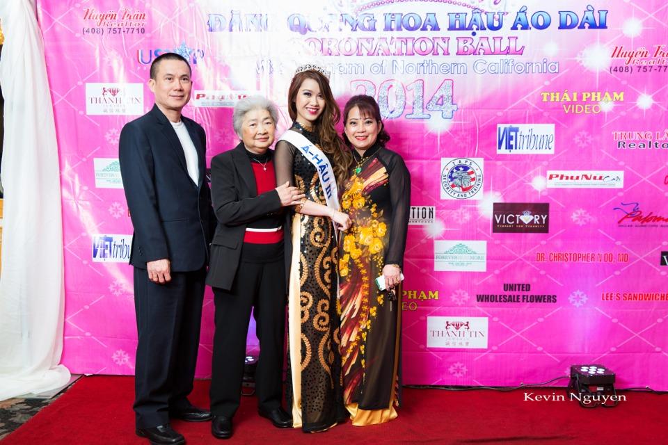 The Guests at the Coronation of Hoa Hau Ao Dai Bac Cali 2014 and Court - Image 084