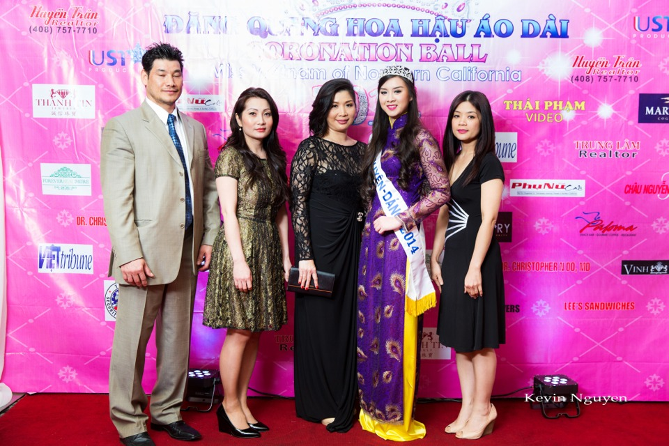 The Guests at the Coronation of Hoa Hau Ao Dai Bac Cali 2014 and Court - Image 085