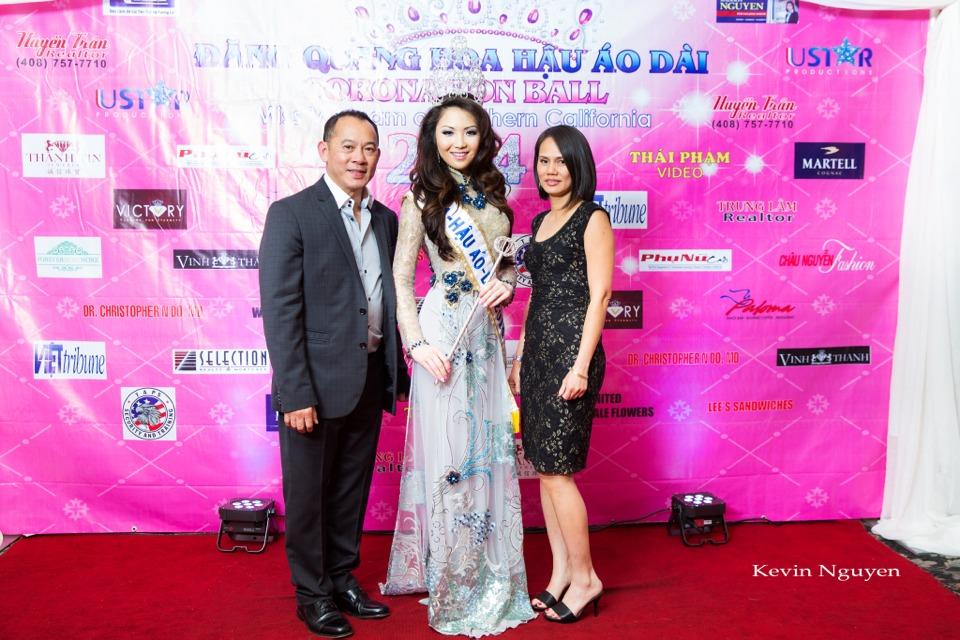 The Guests at the Coronation of Hoa Hau Ao Dai Bac Cali 2014 and Court - Image 086