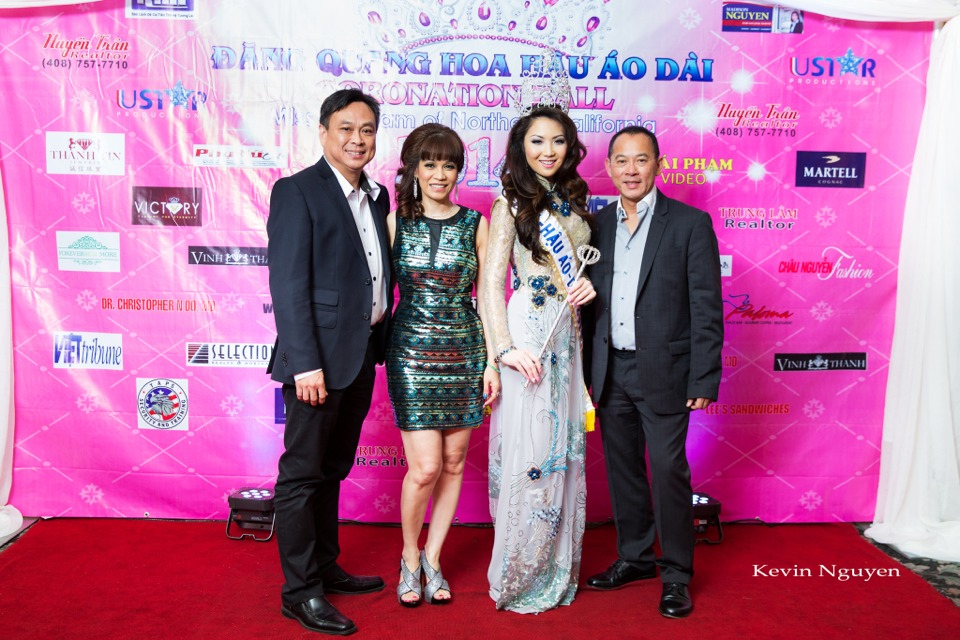 The Guests at the Coronation of Hoa Hau Ao Dai Bac Cali 2014 and Court - Image 087