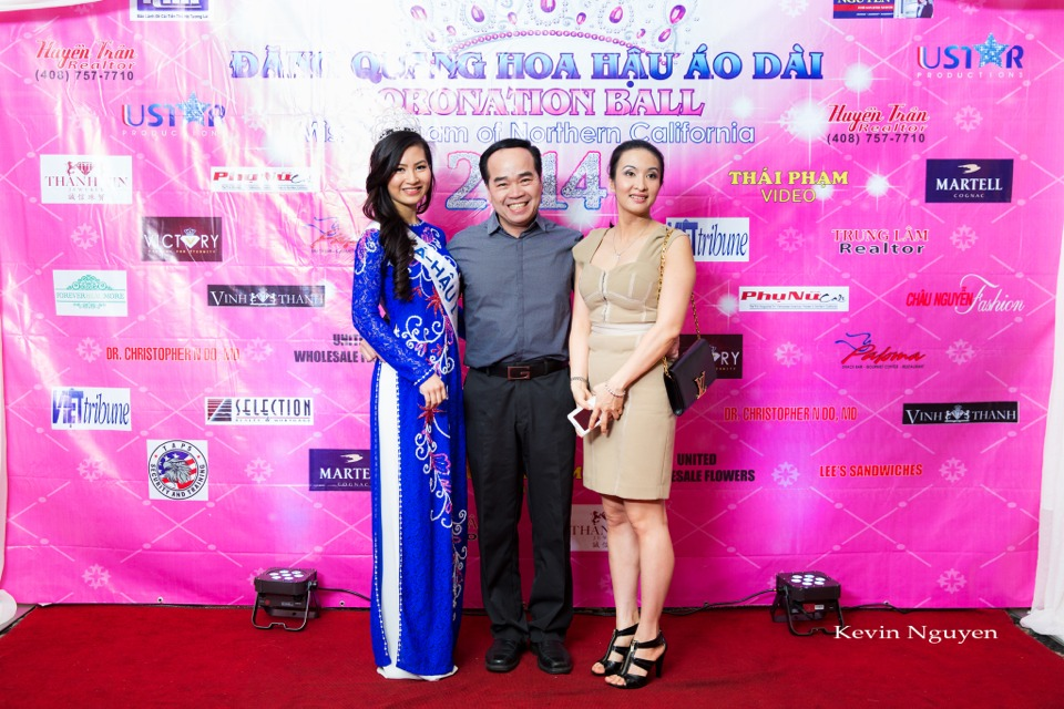 The Guests at the Coronation of Hoa Hau Ao Dai Bac Cali 2014 and Court - Image 088