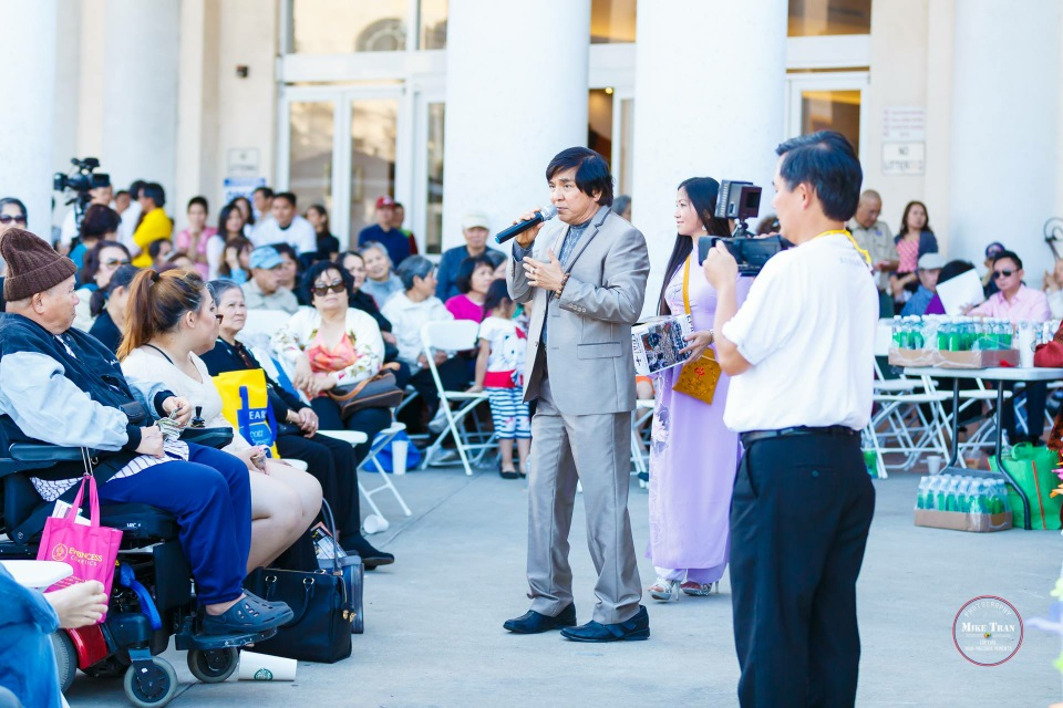Outdoor Concert & Candlelight Vigil For Nepal Earthquake Relief 2015 - Image 001