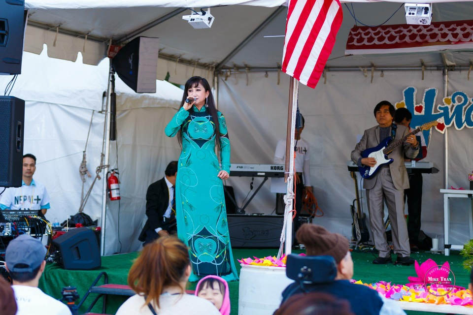 Outdoor Concert & Candlelight Vigil For Nepal Earthquake Relief 2015 - Image 017