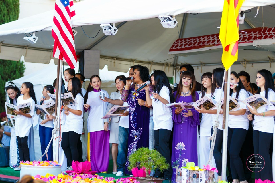 Outdoor Concert & Candlelight Vigil For Nepal Earthquake Relief 2015 - Image 018