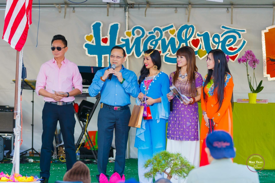 Outdoor Concert & Candlelight Vigil For Nepal Earthquake Relief 2015 - Image 038