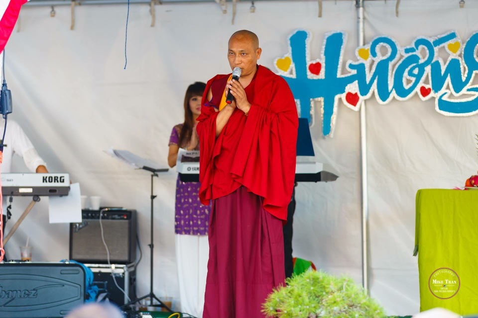 Outdoor Concert & Candlelight Vigil For Nepal Earthquake Relief 2015 - Image 039