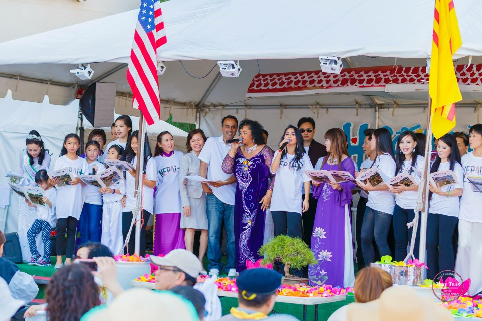 Outdoor Concert & Candlelight Vigil For Nepal Earthquake Relief 2015 - Image 044