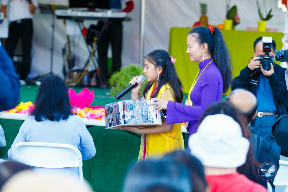 Outdoor Concert & Candlelight Vigil For Nepal Earthquake Relief 2015 - Image 046