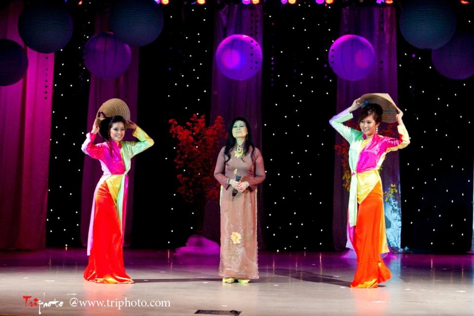 Hoa-Hau Ao-Dai Bac Cali 2011 - Miss Vietnam of Northern California - Pageant Day 2011 - Image 076
