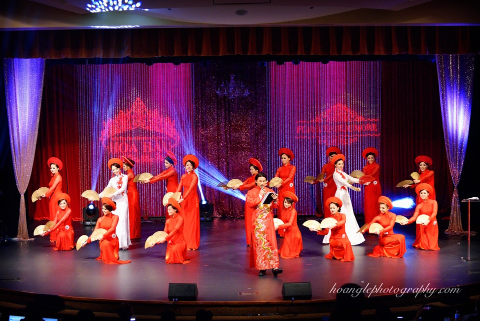 Hoa Hậu Áo Dài Bắc Cali 2015 - Pageant Day pictures by Hoang Le - Image 135