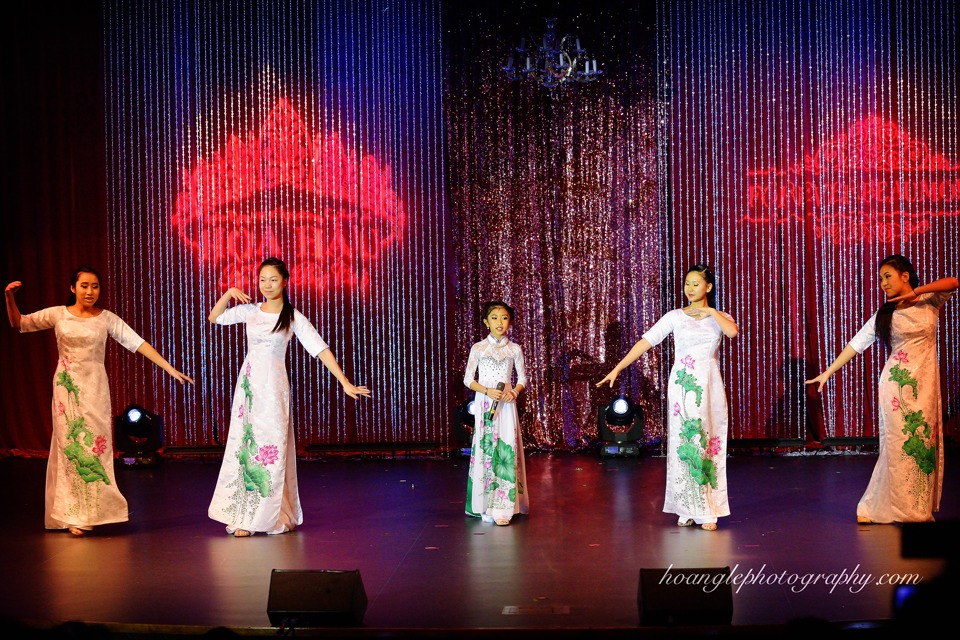 Hoa Hậu Áo Dài Bắc Cali 2015 - Pageant Day pictures by Hoang Le - Image 147