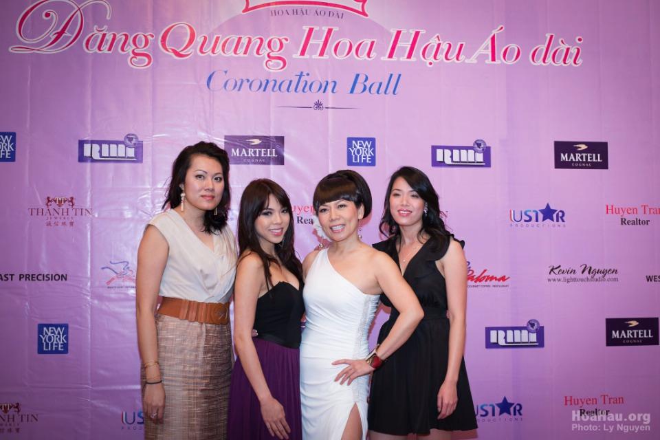 Coronation 2013 - Hoa Hau Ao Dai Bac Cali - Miss Vietnam - Image 003