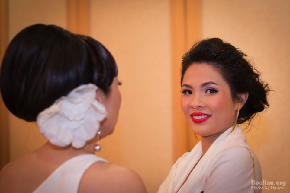 Coronation 2013 - Hoa Hau Ao Dai Bac Cali - Miss Vietnam - Image 005