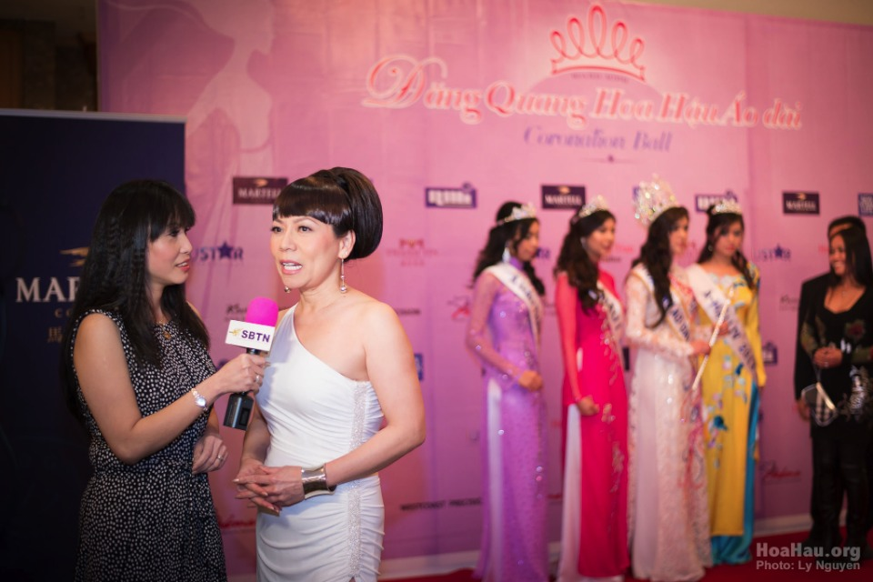 Coronation 2013 - Hoa Hau Ao Dai Bac Cali - Miss Vietnam - Image 013