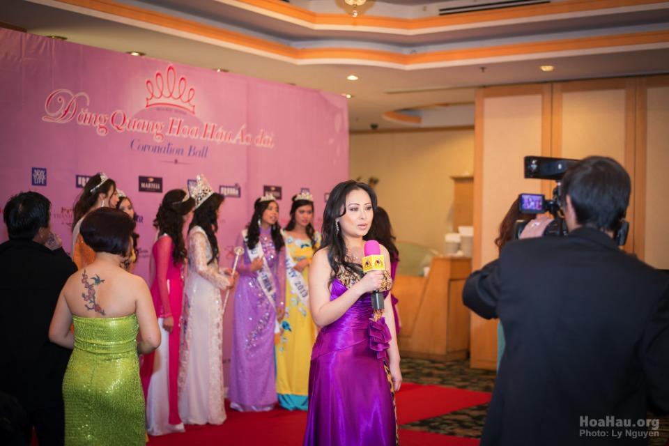 Coronation 2013 - Hoa Hau Ao Dai Bac Cali - Miss Vietnam - Image 015