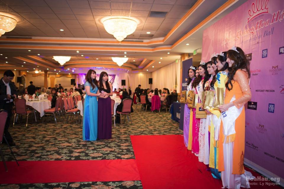 Coronation 2013 - Hoa Hau Ao Dai Bac Cali - Miss Vietnam - Image 018