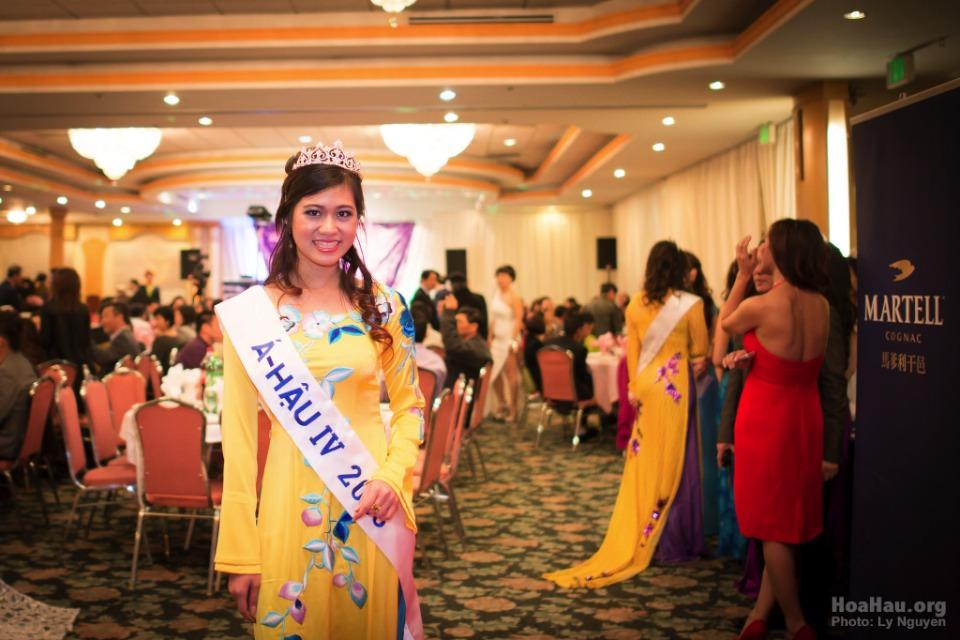 Coronation 2013 - Hoa Hau Ao Dai Bac Cali - Miss Vietnam - Image 026