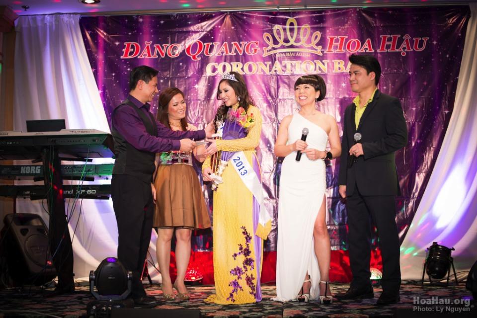 Coronation 2013 - Hoa Hau Ao Dai Bac Cali - Miss Vietnam - Image 041