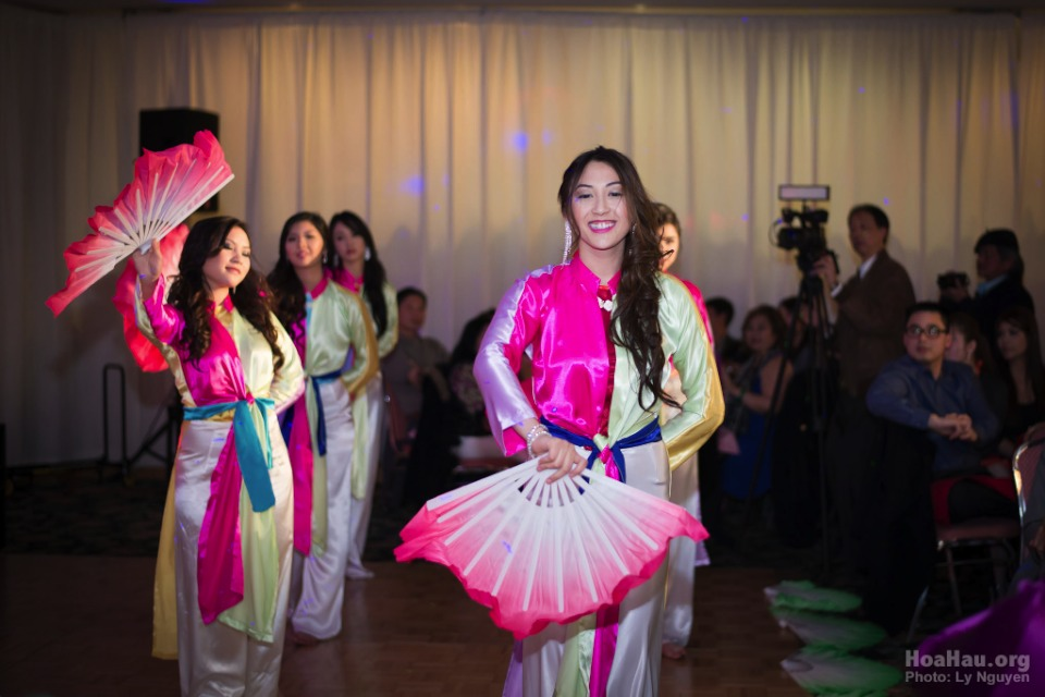 Coronation 2013 - Hoa Hau Ao Dai Bac Cali - Miss Vietnam - Image 051