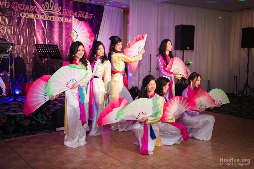Coronation 2013 - Hoa Hau Ao Dai Bac Cali - Miss Vietnam - Image 053