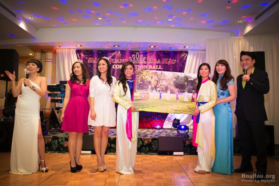 Coronation 2013 - Hoa Hau Ao Dai Bac Cali - Miss Vietnam - Image 055