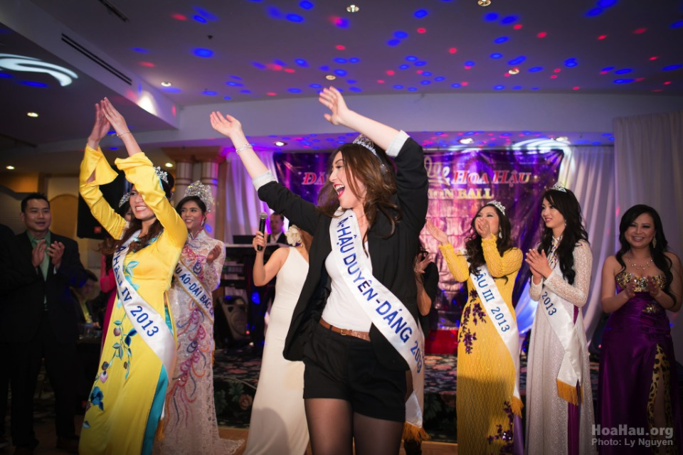 Coronation 2013 - Hoa Hau Ao Dai Bac Cali - Miss Vietnam - Image 057