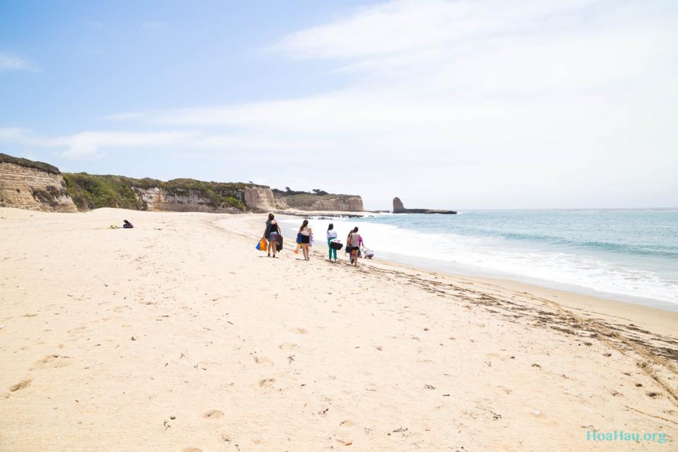 Hoa Hau Ao Dai Annual Beach Photoshoot 2013 - Santa Cruz, CA - Image 001