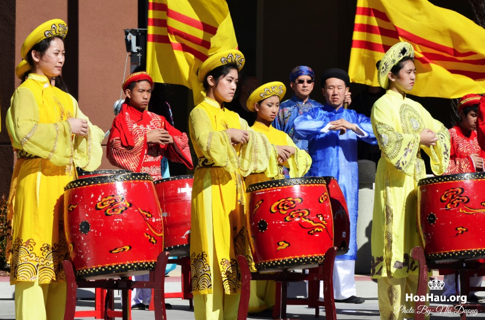 Hoa Hau Ao Dai Tet Lunar New Year 2013 - Image 001