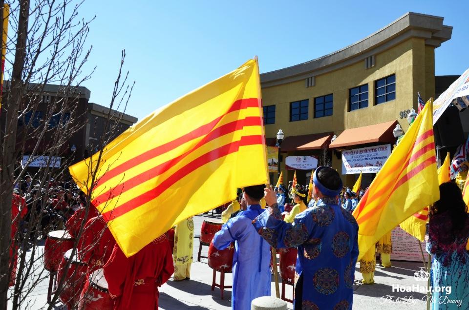 Hoa Hau Ao Dai Tet Lunar New Year 2013 - Image 005
