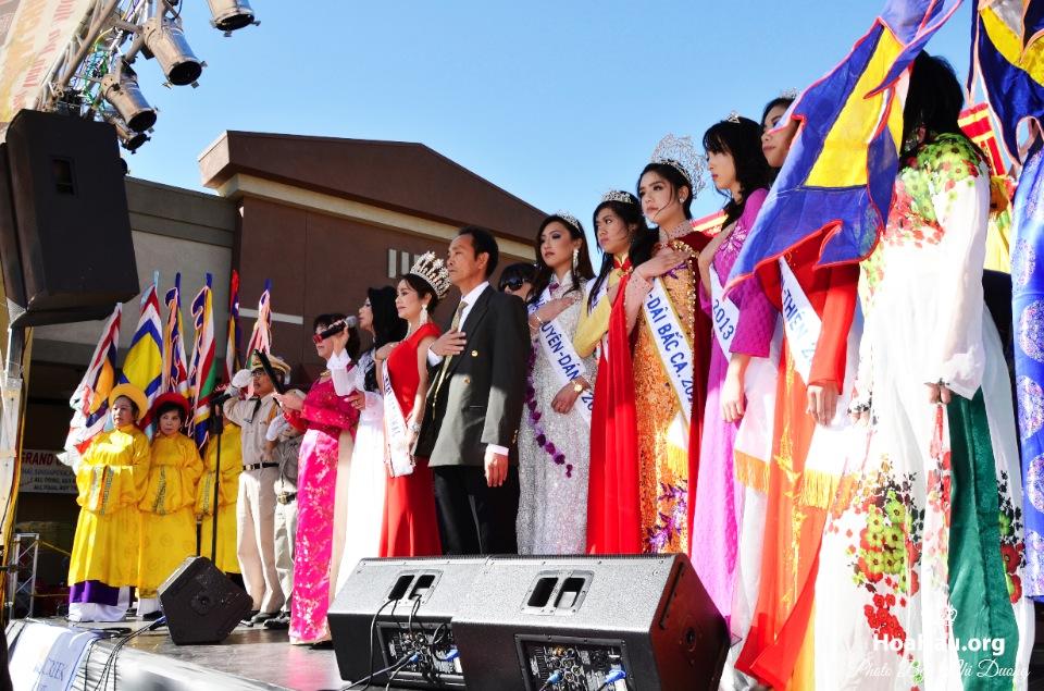 Hoa Hau Ao Dai Tet Lunar New Year 2013 - Image 025