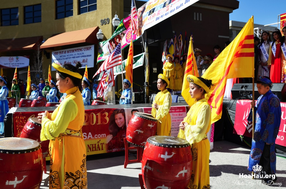 Hoa Hau Ao Dai Tet Lunar New Year 2013 - Image 026
