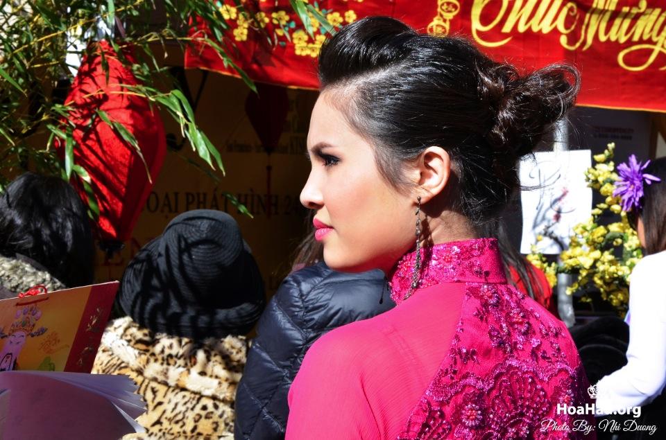 Hoa Hau Ao Dai Tet Lunar New Year 2013 - Image 074