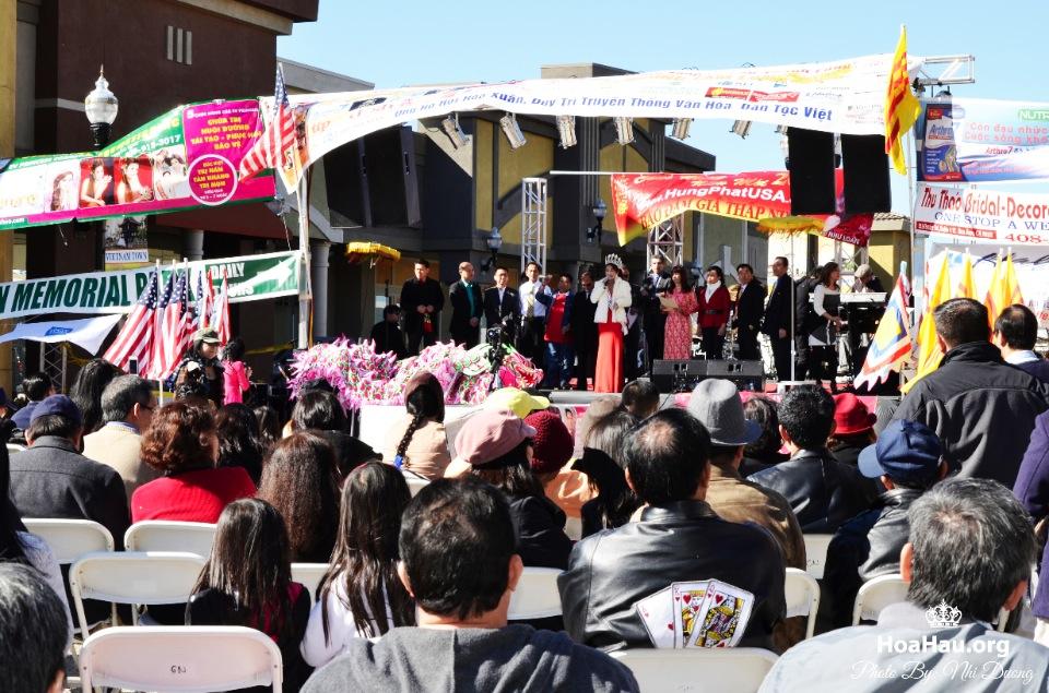 Hoa Hau Ao Dai Tet Lunar New Year 2013 - Image 075